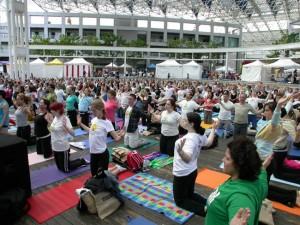 vancouver_yogathon06_viniyoga1